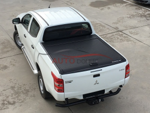 Крышка Top Roll (black / silver) Mitsubishi L200 с 2015-